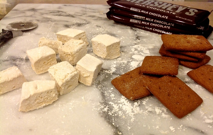 Homemade marshmallows & graham crackers_2