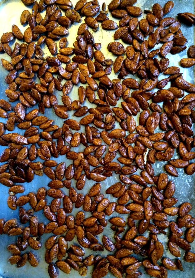 Rosemary & chili roasted almonds_pan