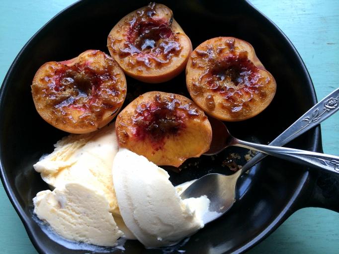 Brûléed Peaches