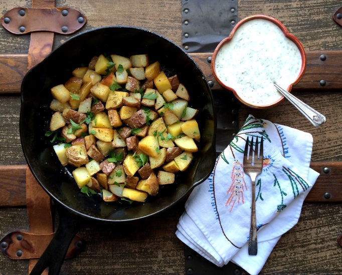 Crispy Skillet Potatoes w/ Buttermilk Ranch Sauce